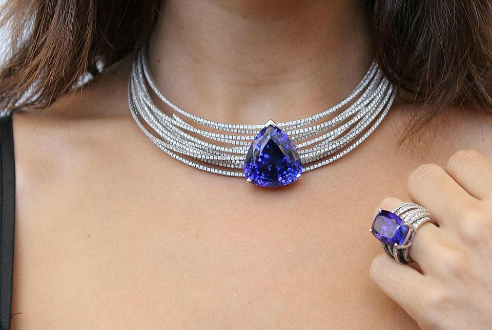 tanzanite- rings+ white-gold